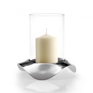 Klaasist küünlahoidja roostevabast terasest alusega.jpg